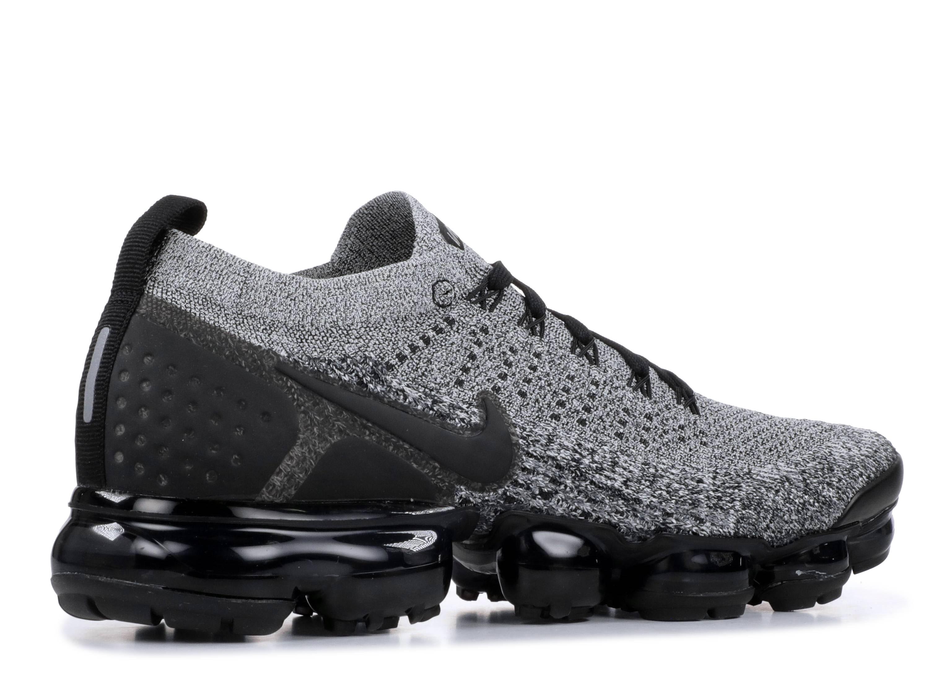 Nike Air Vapormax Flyknit 2 - Nike - 942842 107 - white black-black ... 866316c52