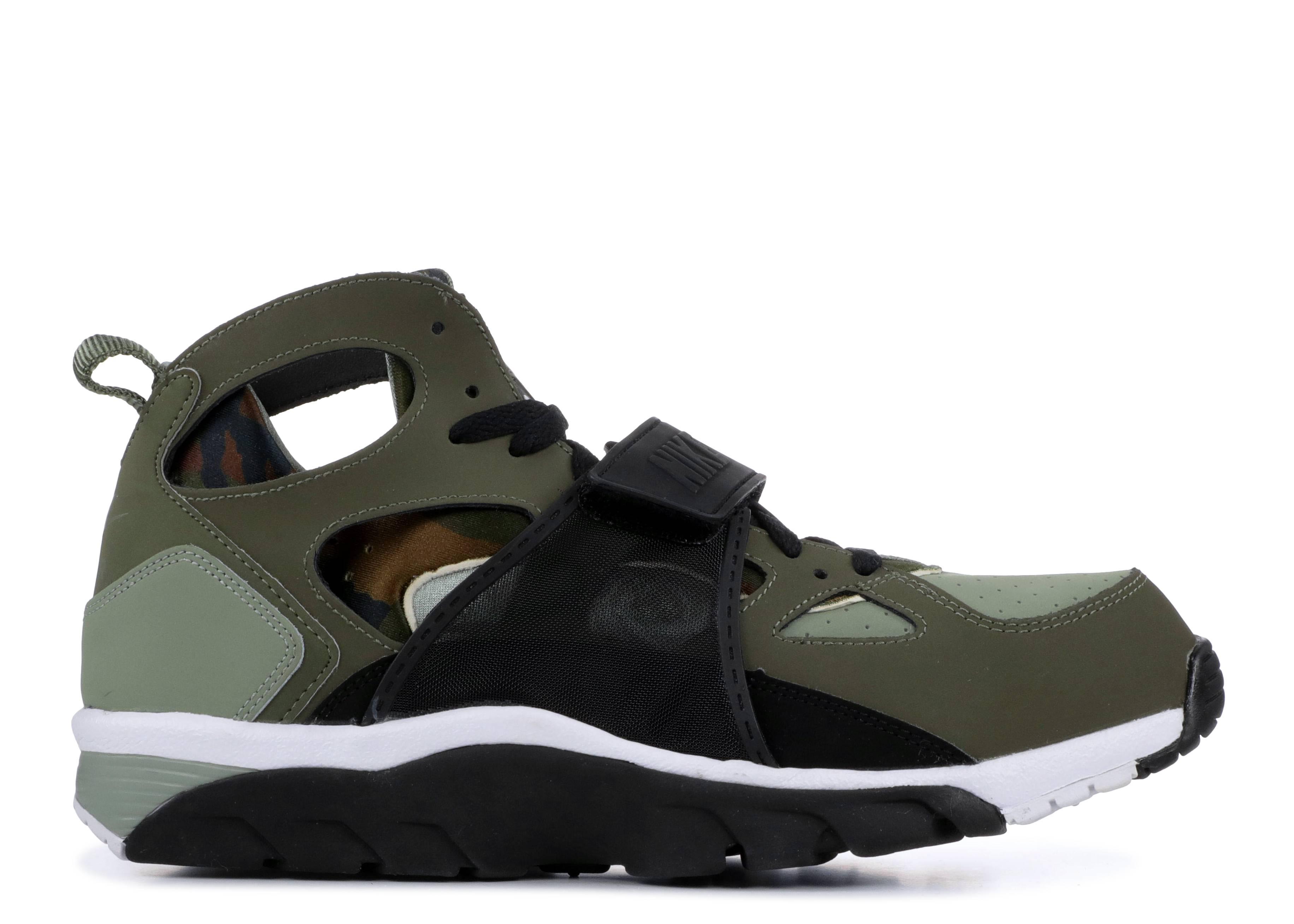 0b2b3b1aec857 Nike Air Trainer Huarache - Nike - 679083 200 - medium olive black ...