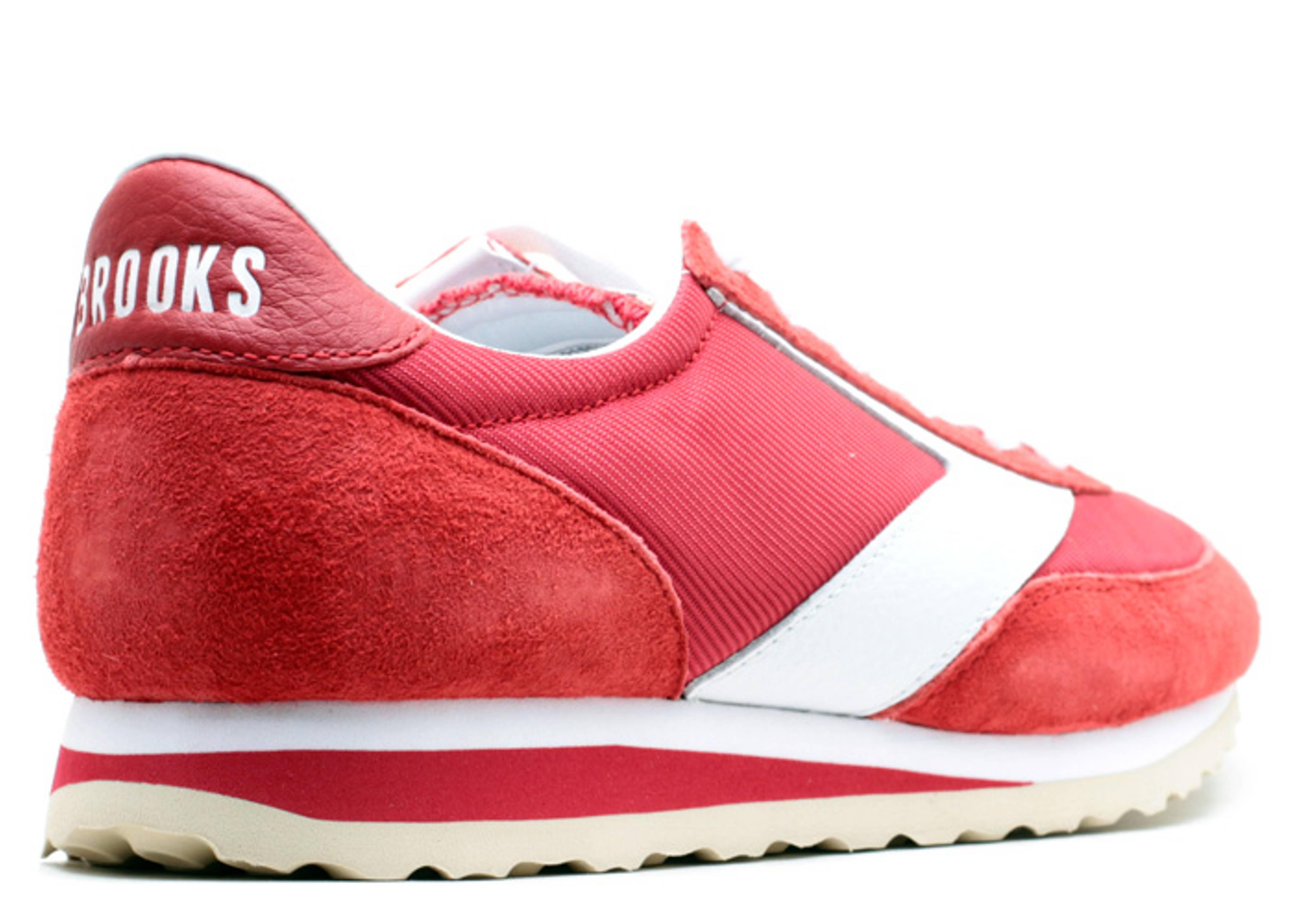 {1101661D611} Men/'s Brooks Vanguard Red *NEW*